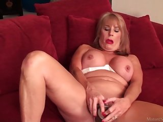 Sexy mature lady porn video